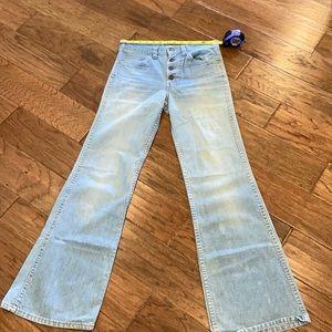 Vintage bell bottom blue jean Levi's